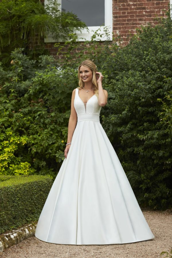 Britany Bridal Gown by Romantica